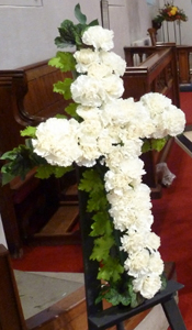 PHOTO - Floral cross